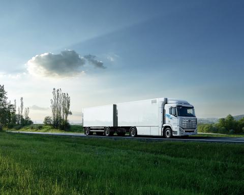 Hyundai Xcient Fuel Cell heavy-duty truck debuts in Switzerland